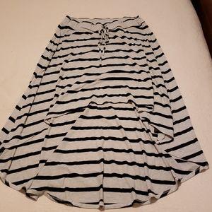 Horizontal stripe high-low skirt